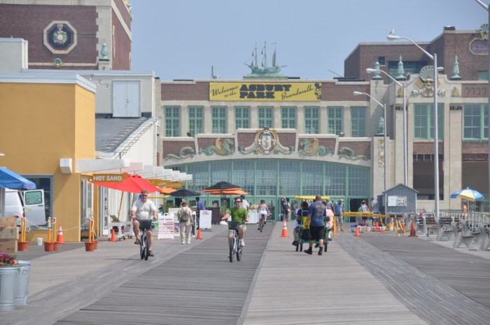 Jersey Shore Vacations: Asbury Park Convention Hall