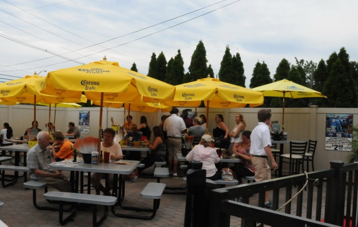 Jersey Shore Restaurant Reviews: Kelly's Tavern at the Jersey Shore