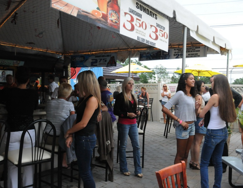 Jersey Shore Vacations: Kelly's Tavern Review