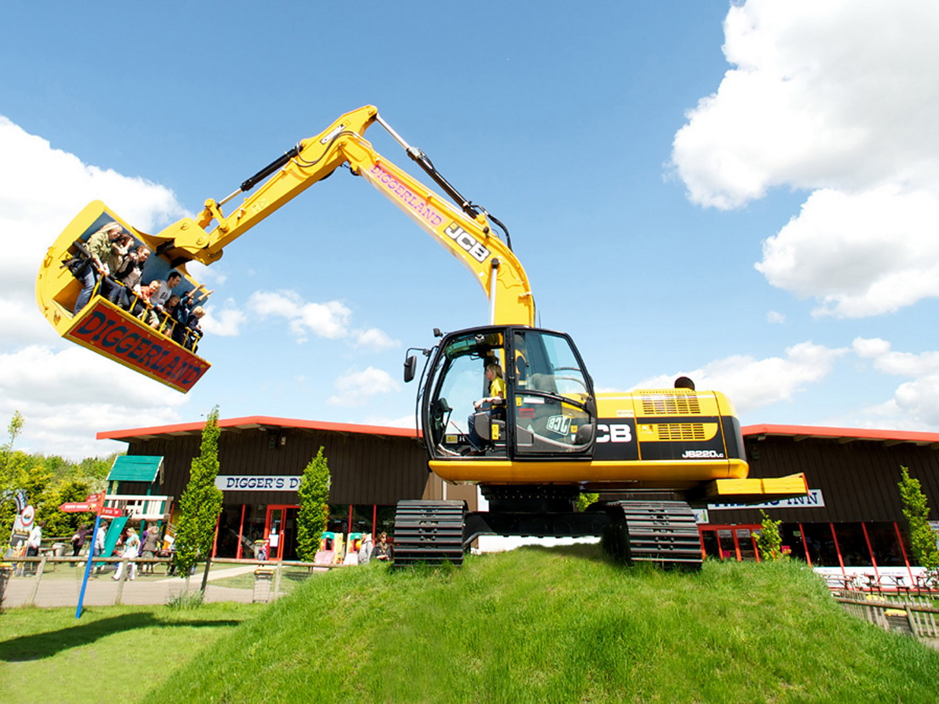Diggerland USA A Construction Themed Adventure Park Is