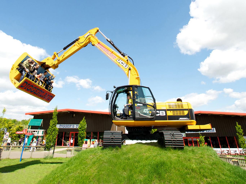 Diggerland Usa A Construction Themed Adventure Park Is
