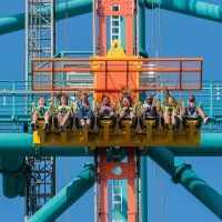 Six Flags Great Adventure Launches Record-Breaking Drop Ride, Zumanjaro: Drop of Doom