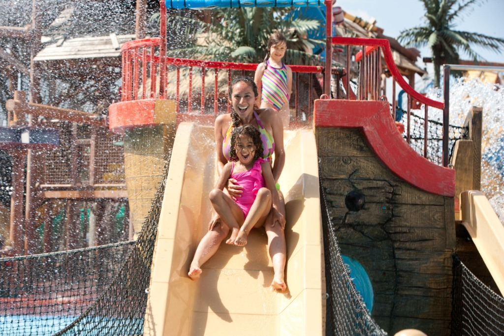 Six Flags Hurricane Harbor new Caribbean Cove