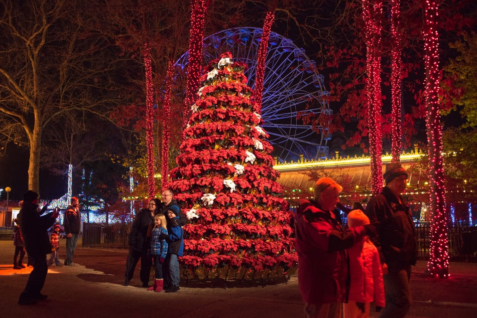 Six Flags Holiday in the Park 2016