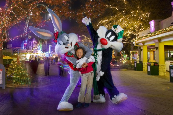 Six Flags Cartoon Characters Photo Ops