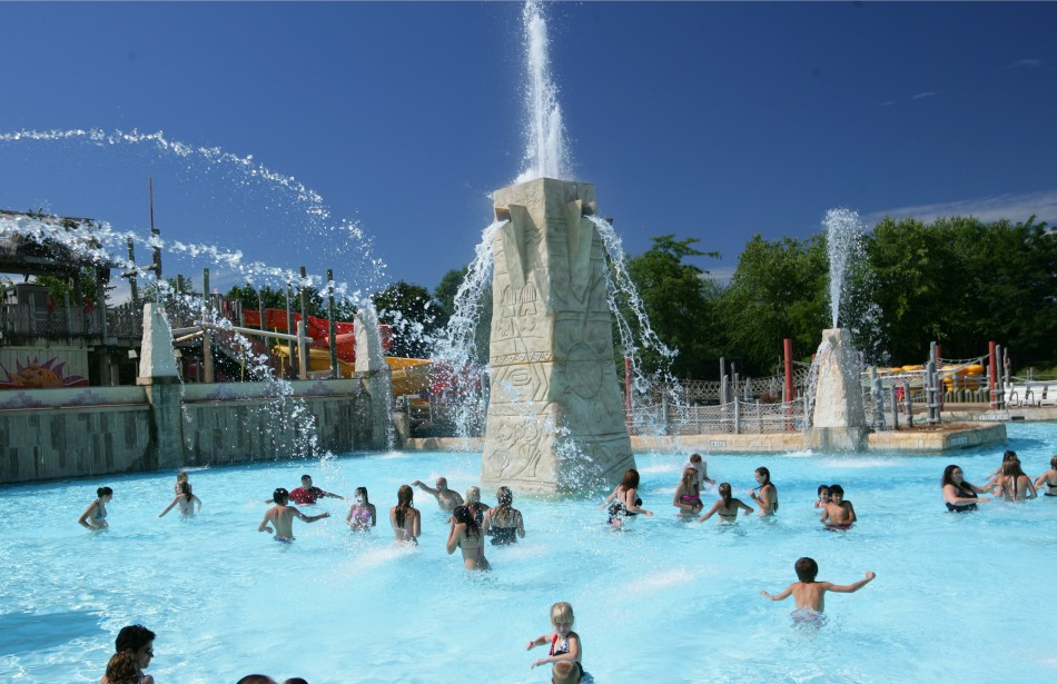 Six Flags Hurricane Harbor new pool 2019