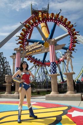 Six Flags NJ Wonder Woman Lasso of Truth new ride
