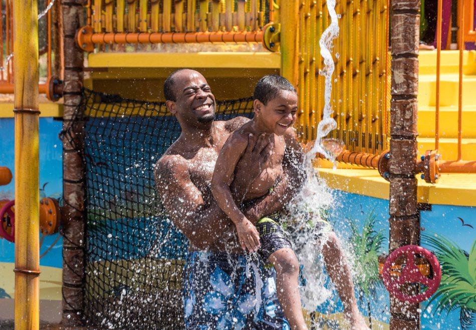 Six Flags NJ Waterpark Opening