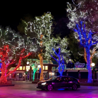 Six Flags Great Adventure Announces the Addition of Holiday in the Park Drive-Thru Experience